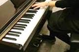 電子ピアノ献奏